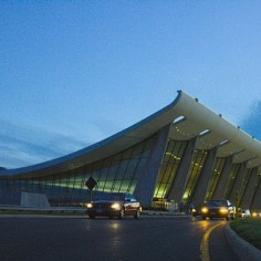 am_eero_saarinen_dulles_airport_4_tx700